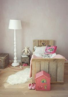 lovely little bed for kids