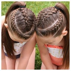Two dutch braids framing a 4 strand round braid (left), and a 5 strand dutch (right). Princess Hairstyles, Little Girl Hairstyles, Teenage Hairstyles, Swimming Hairstyles, Girl Hair Dos, Crimped Hair, Types Of Braids, Back To School Hairstyles, Natural Hair Styles