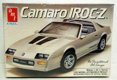 Camaro Iroc, Chevy Camaro, Model Cars Kits, Kit Cars, Plastic Model Kits, Plastic Models, Camaro Models, Car Kits, Photo Retouching