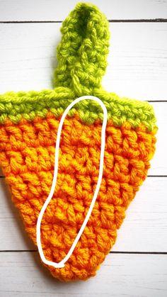 Crochet Mini Carrot Treat Bags – Creating Me Holiday Crochet, Easter Crochet, Crochet Crafts, Crochet Projects, Free Crochet, Double Crochet, Single Crochet, Mini Carrots, Crochet Rabbit