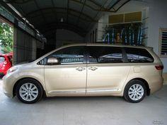 Toyota Sienna Đầy Đủ Đồ Chơi