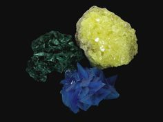 Here is a simple crystal recipe for crystals that change colors from yellow to green to blue depending on light and temperature. Alum Crystals, Diy Crystals, Black Crystals, Recipe For Crystals, Crystals In The Home, Dyi Crafts, Resin Crafts, Crafts For Kids, Cristal Art