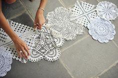 DIY: camino de mesa de crochet Boda Original camino crochet 2 600x400
