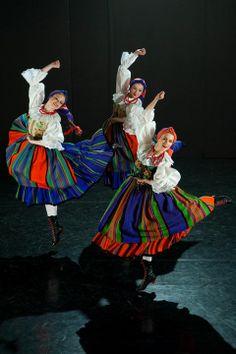 "Sanniki folk costume - Zespół Tańca Ludowego ""Harnam"", Poland Folk Dance, Dance Art, Dance Costumes, Cosplay Costumes, Hungarian Dance, Polish Clothing, Polished Man, Dance World, Folk Festival"