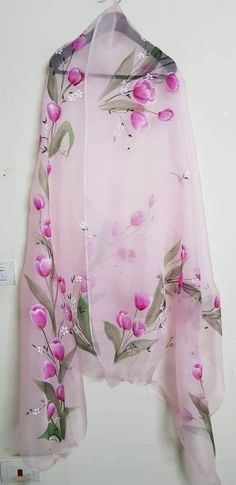 Most recent Cost-Free Fabric painting on dupatta Concepts , Hand Painted Sarees, Hand Painted Fabric, Dress Painting, Fabric Painting, Dress Indian Style, Indian Outfits, Fabric Paint Designs, Indian Designer Suits, Painted Clothes