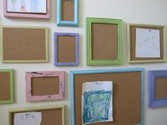 rotating art display -use cork board in picture frames Displaying Kids Artwork, Artwork Display, Artwork Wall, Display Wall, Method Ikea, Art Wall Kids, Art For Kids, Kid Art, Diy Cork Board