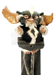 GREMLINS 2: THE NEW BATCH (1990) - Servo Operated Mohawk Mogwai Puppet - Price Estimate: $6000 - $8000