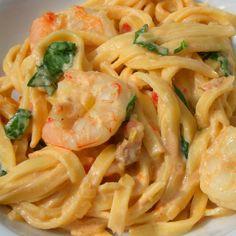 Atrévete a cocinar esta deliciosa receta de tallarines con gambas. http://es.dawanda.com/s/tutoriales