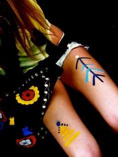 Glastonbury Festival Fashion Inspiration. hippie, bohemian, boho, aztek, navajo, tribal print, Party Paint style pic on Free People