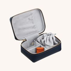 Our luxury Ladies 3-Piece Gift Set for travel is comprised of our best-selling Ladies Leather Jewellery Case and two Ladies Leather Ring Boxes. Perfect for storage of precious pieces at home or on-the-go. Jewelry Box Store, Travel Jewelry Box, Small Jewelry Box, Jewellery Boxes, Jewelry Case, Jewellery Storage, Leather Jewelry Box, Leather Ring, Leather Accessories