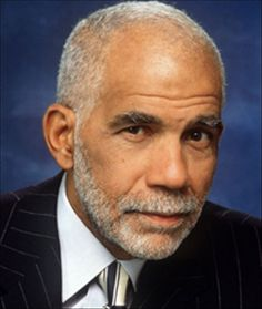 The Tv Correspondent Was One Of The First Black Journalists To Earn Prominence On A Major Network Cbs First Black White House Correspondent