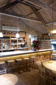 Here's another Le Pain Quotidien, in London. Cafe Bar, Cafe Shop, Cafe Restaurant, Restaurant Design, Bar Design Awards, Unique Restaurants, Retail Design, Places To Eat, Home Interior Design