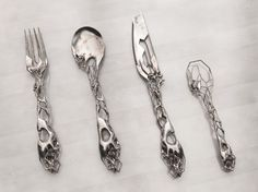 Unusable but very cool cutlery - by Isaïe Bloch