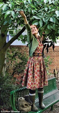 Love the outfit and the foraging lifestyle