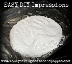 DIY: Hand Impressions | Money Saving Mommas and Poppas