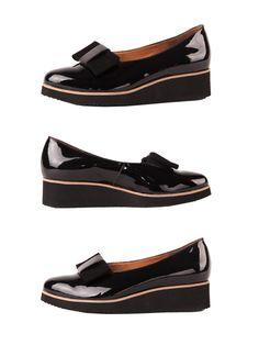 Wiosenne półbuty z nutką elegancji.  Cena/price: 275.00 PLN #eksbut #shoes #boots #buty #moda #trendy #fashion #women #kobieta #style #black