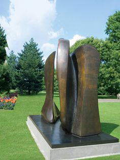 """Henry Moore's Outdoor Sculpture """"Knife Edge Two Piece"""" 1965"""