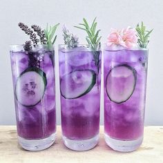 Gin butterfly pea tea (sweetened with rosemary syrup) and lime juice. Gin butterfly pea t Colorful Drinks, Fancy Drinks, Summer Drinks, Cold Drinks, Alcoholic Drinks, Bar Drinks, Refreshing Drinks, Purple Drinks Alcohol, Food And Drinks
