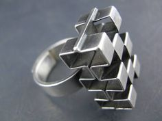 "Elis Kauppi for Kupittaan Kulta, Vintage modernist sterling silver dimensional ""Cube"" ring. 
