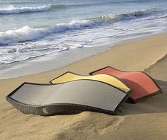 The Kahuna by Les Jardins Hugs Every Curve of the Lounger's Body #patio #outdoorfurniture trendhunter.com