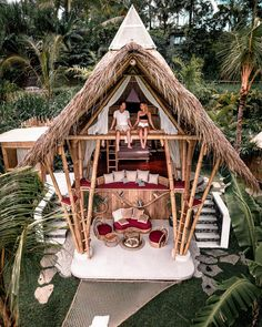 Honeymoon Goals in Bali thanks to . These are the brand new open air villa… Bamboo Architecture, Architecture Design, Ubud, Beautiful Hotels, Beautiful Places, Casa Bunker, Bamboo House Design, Patio Design, Hut House