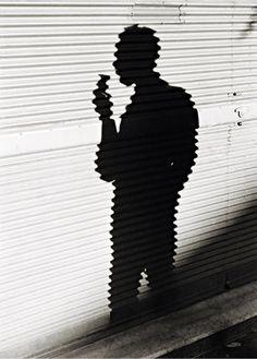 Sombra do fotógrafo José Medeiros, Rio de Janeiro, 1946   Thomaz Farkas - Acervo Instituto Moreira Salles