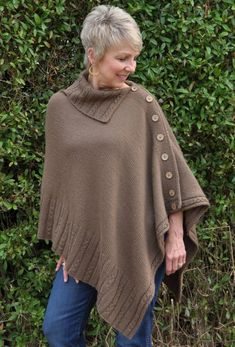 Ravelry: Miriam Carole Poncho pattern by Ronnie EldridgeKnitters at the level of Advanced Beginner through Expert will enjoy creating this fashionable, classic poncho.These poncho knitting patterns were rated easy by the designers, or knitters who've ma Poncho Knitting Patterns, Crochet Poncho, Knit Patterns, Free Knitting, Linen Stitch, Knit Picks, Clothes For Women, Messy Hair, Nursing Shawl