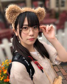 丹生明里 Asian Woman, Asian Girl, Cute Japanese Girl, School Girl Outfit, Japanese Beauty, Pretty Girls, Winter Hats, Kawaii, Actresses