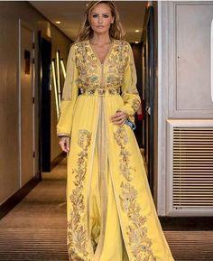 Kaftan Moroccan, Morrocan Dress, Caftan Gallery, Caftan Dress, Baroque Fashion, Oriental Fashion, Mode Style, Traditional Dresses, Hijab Fashion