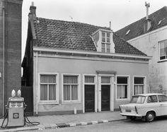 Holland, Garage Doors, Windows, Outdoor Decor, Home Decor, The Nederlands, Decoration Home, Room Decor, The Netherlands