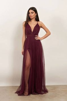 We're here for all of your maxi dress needs. From casual to classy, flirty to formal, low cut to high neck & so much more! Pretty Prom Dresses, Pink Prom Dresses, Ball Dresses, Cute Dresses, Beautiful Dresses, Bridesmaid Dresses, Pink Maxi, 1920 Dresses, Junior Prom Dresses