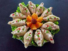 Pasta z wędzonego łososia w muszlach Pyszna przekąska, która uświetni niejedno domowe przyjęcie. Muszle ładnie prezentują się na talerzu i wspaniale smakują, stanowią ciekawą przystawkę. polecam! Inne pomysły na pyszne i efektowne wykorzystanie muszli makaronowych znajdziecie TUTAJ Składniki: 15 muszli makaronowych 100g wędzonego łososia 100g serka śmietankowego 3 jajka ugotowane na twardo 5 rzodkiewek 3 …