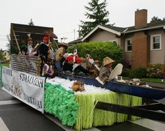 How To Build A Parade Float via http://bellingham.com/blog
