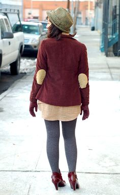 I love this jacket/shoes combo! Winter Style, Autumn Winter Fashion, Fall Winter, Elbow Patches, Funny Faces, Fashion Inspiration, Makeup, Pretty, Blog