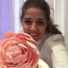 Selfie con peonia - Isabel Vermal