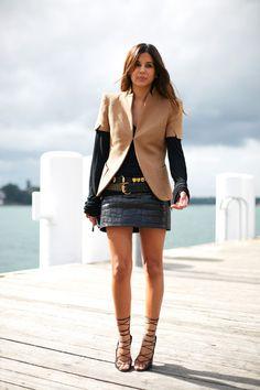 la-modella-mafia-Christine-Centenera-model-off-duty-fashion-editor-street-style-chic-in-a-crocodile-leather-mini-skirt