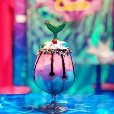 Forget unicorns: Check out Mermaid Island Cafe in Bangkok where you can bask in rainbows, sparkles and magic! Rustic Coffee Shop, Mermaid Island, Pink Cafe, Coffee Pictures, Magical Creatures, Kawaii, Bangkok, Christmas Ornaments, Holiday Decor