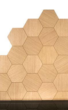 Hexagonal tiles NB 80 Hexagonfliser The hexagonal tiles in oak veneer are custom made and use. Flat Interior, Minimalist Interior, Kitchen Interior, Home Interior Design, Kitchen Decor, Kitchen Design, Interior Decorating, Kitchen Tiles, Cooktops