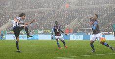 Siem de Jong és Ayoze Pérez lábában maradt a győzelem, így a sereghajtó ellen be kellett érnie az egy ponttal a Newcastle Unitednek.