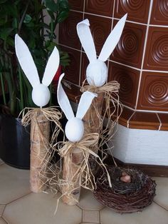 easter decorations 378724649916119130 - 42 Stunning Easter Decorations Ideas 36 Source by elisabethbollig Happy Easter, Easter Bunny, Easter Eggs, Easter Projects, Easter Crafts, Easter Ideas, Spring Decoration, Easter Parade, Welcome Spring