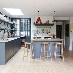Step inside a Hamptons-style terrace