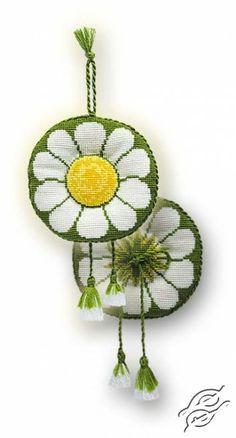 Pincushion Camomile Kit - Cross Stitch Craft Kits by RIOLIS - 1001