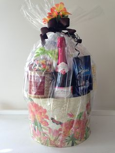 Coffee Baskets, Wine Gift Baskets, Baby Shower Gift Basket, Baby Shower Gifts, Baby Gifts, Golf Drawing, Real Estate Gifts, Spa Gifts, Wine Festival