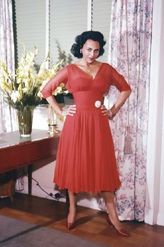 Dorohty Dandridge was the first black woman to be nominated for an Oscar after her role in Carmen Jones.Dorothy had problems with depression threw out her li. Vintage Black Glamour, Vintage Beauty, Vintage Fashion, Vintage Wear, Vintage Dresses, Old Hollywood Glamour, Vintage Hollywood, Classic Hollywood, Hollywood Stars
