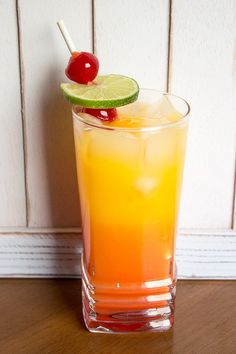 Tequila Sunrise Recipe by @kitchenmagpie