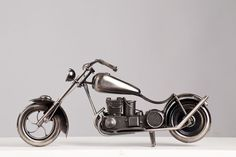 Miniatura Moto Custom - Machine Cult - Kustom Shop | A loja das camisetas de carro e moto