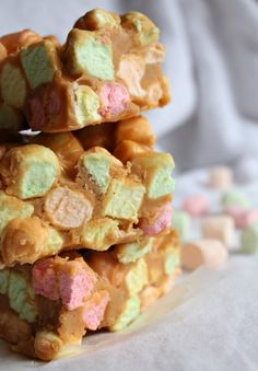 Peanut Butter Marshmallow Squares Recipe ~ These squares are ALWAYS a crowd pleaser and better yet, they're super easy!