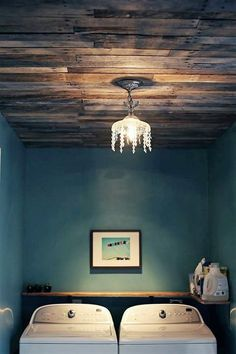 We have seen pallet wood everywhere in the house whether it be your floor, garden, lounge, bedroom or kitchen, but here we have the most unique DIY pallet wood idea that will surely amaze your visitors. Dismantle the pallet wood planks and nail them to your ceiling to give your house warm and rustic look. You may experiment it in one of your less important rooms.