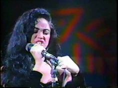 SHAKIRA. FESTIVAL DE VIÑA DEL MAR 1993. SHAKIRA 16 AÑOS DE EDAD