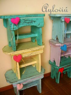Hand Painted Furniture, Handmade Furniture, Repurposed Furniture, Pallet Furniture, Wooden Projects, Wood Crafts, Diy Projects, Painted Stools, Wood Pallets
